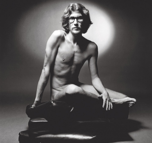 """1971, YVES SAINT LAURENT NAKED FOR ITS FIRST FRAGRANCE """"POUR HOMME"""" 
